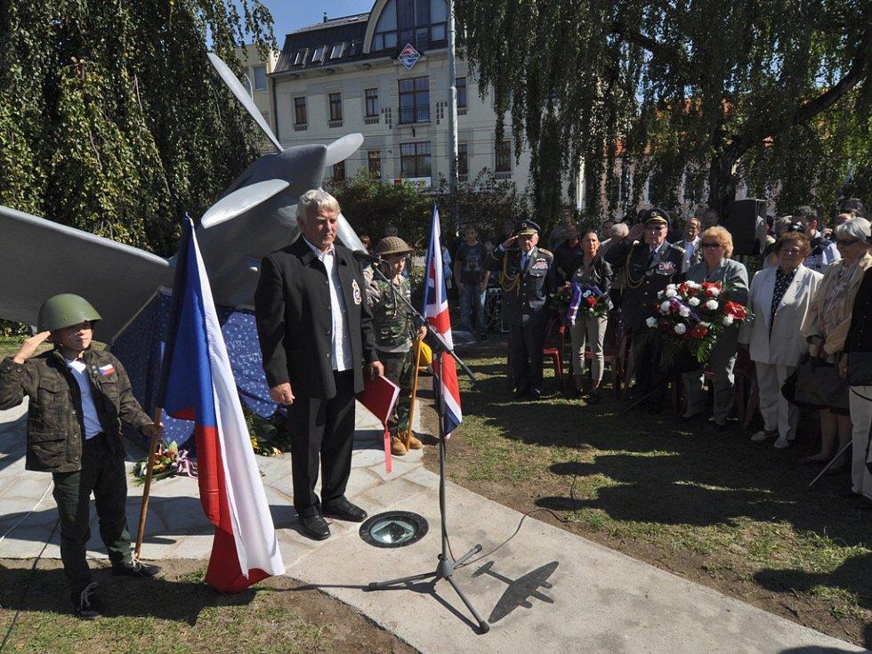 Odhalení pomníku českým letcům RAF. České Budějovice 12. září 2015.