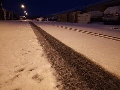 Sníh do pátečního rána napadl také v Lišově.
