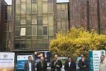Stavba před Jihočeskou vědeckou knihovnou byla slavnostně zahájena.Foto: Archiv Jihočeské vědecké knihovny