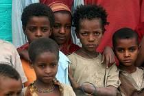 V chudých zemích se bez naší pomoci těžko obejdou.