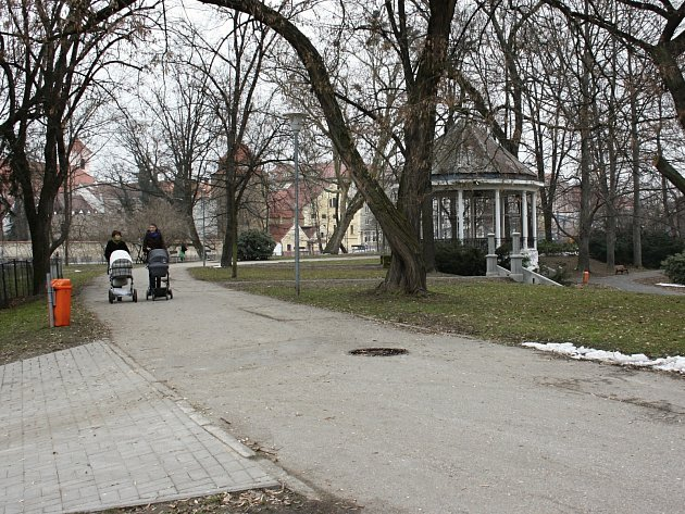 Současná podoba parku v Háječku.