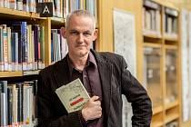 Spisovatel Jiří Hájíček vydal na podzim román Dešťová hůl a zvítězil v anketě Jihočeská kulturní událost roku 2016.