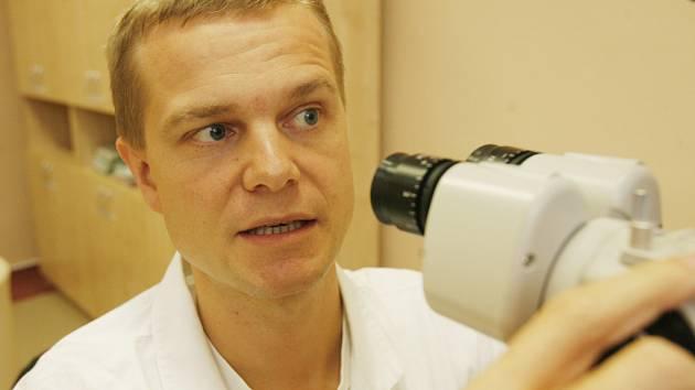 Sedmatřicetiletý primář oční kliniky Lexum Vladimír Chodura.