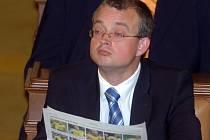 Také poslanec ODS Marek Benda si hodlá v novinách číst jen to, co sám chce.