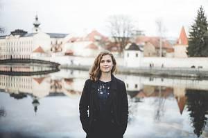 Osmnáctiletá Jitka Řehořová má týden po maturitě.