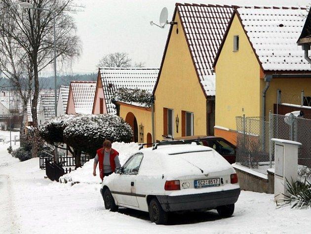 Zima v obci Kočín u Temelína.
