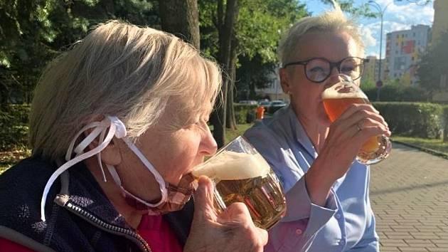 99 let, rok 2020. V Budějovicích na pivě.