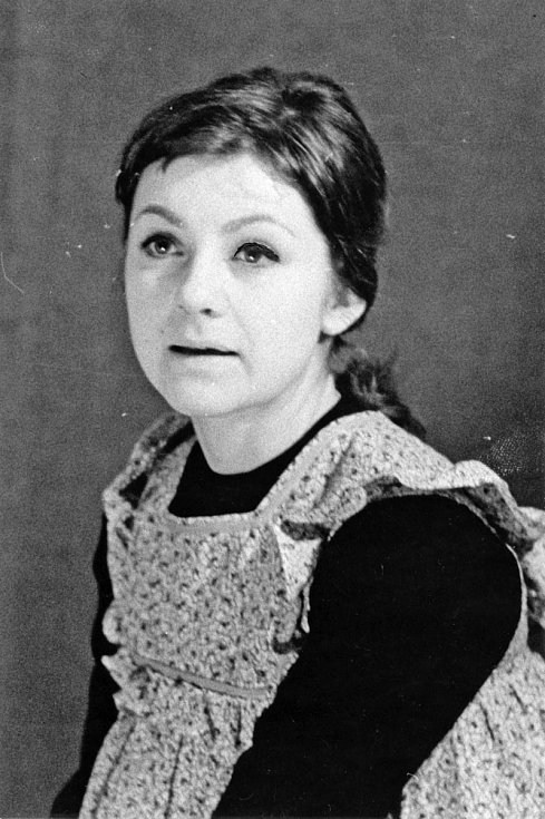Bibiana Šimonová na snímku z roku 1966 jako Hedvika v Divoké kachně, hostování v Národním divadle.