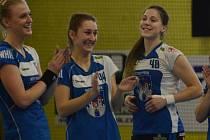 TĚŠÍ SE. Kalčíková (vlevo) a Kovářová jsou na další pokračování interligy připraveny. Svobodová (uprostřed) bude v nejbližších zápasech chybět.
