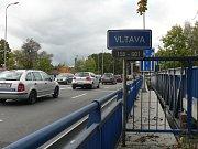 Další silniční most přes Vltavu by chtěla českobudějovická radnice. Chystá kvůli tomu změnu územního plánu u nemocnice. Na snímku je most přes Vltavu u vodárny.