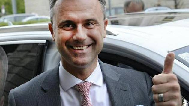 Norbert Hofer, favorit na prezidenta.