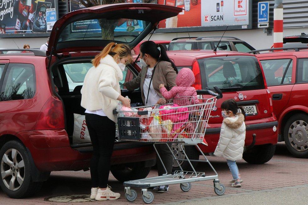 Páteční nákupy v českobudějovickém Kauflandu.