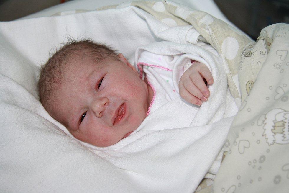 Natálie Matoušková z Vlachova Březí. Dcera Ludmily a Romana Matouškových se narodila 3. 6. 2021 v 11.10 hodin. Při narození vážila 3190 g.Foto: Nikola Beranová