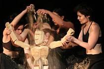 Divadlo Continuo a jeho představení s názvem Den osmý.