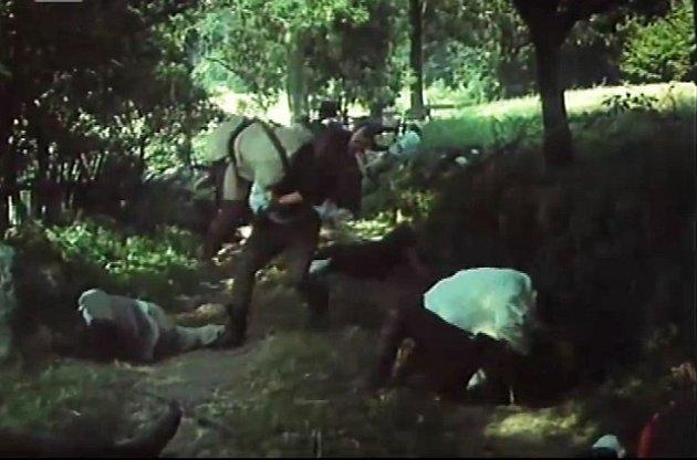 Na cestě zChlístova směrem na Ounuz na Táborsku se odehrála krvavá řež. Vesničané se žoldnéřům nakonec ubránili.
