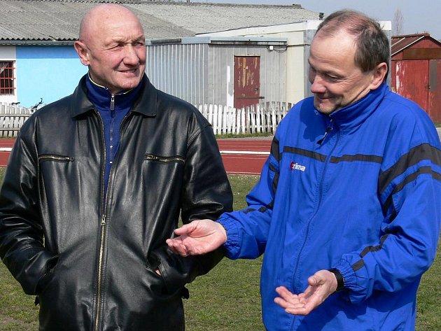 Ladislav a Jiří Klimešovi, dva trenérští bratři, kterým učaroval fotbal.