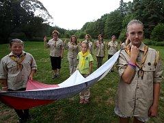 Dvanáct děvčat z českobudějovického oddílu Berušky, z nichž nejmladší jsou čtyři roky, tráví část prázdnin na skautském táboře u Žumberka.