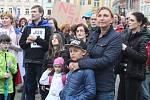 V Budějovicích se sešlo několik set lidí, nesouhlasících s Andrejem Babišem.