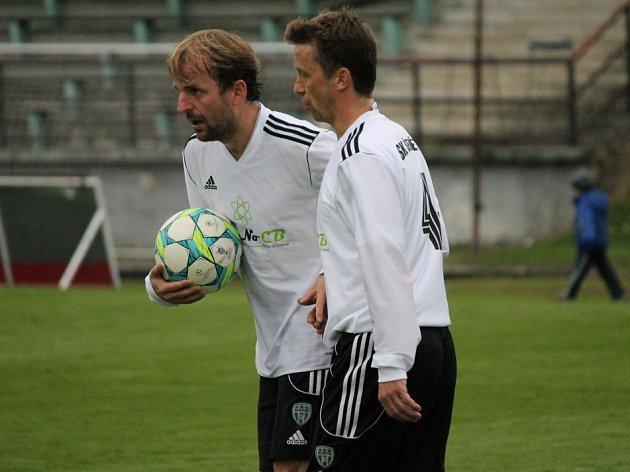 Bývalí spoluhráči ze Ševětína Jan Rezek a Svatopluk Vokurka (zleva) změnili v létě dres.