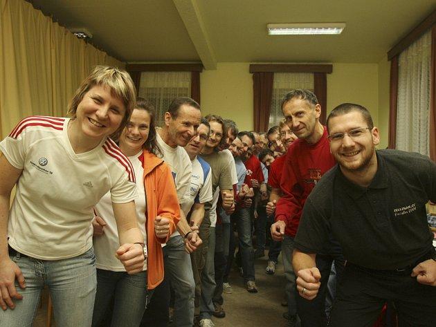 Atleti, kteří v roce 2008 uběhli alespoň jeden maraton, se sešli v reastauraci v Litvínovicích.