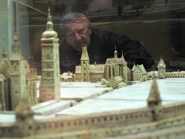 Keramický model zobrazující královské město  z poloviny 17. století je v této podobě  jediným exemplářem.