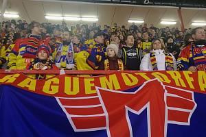 Hokejisté ČEZ Motoru měli v Edenu tradičně mimořádnou početnou podporu.