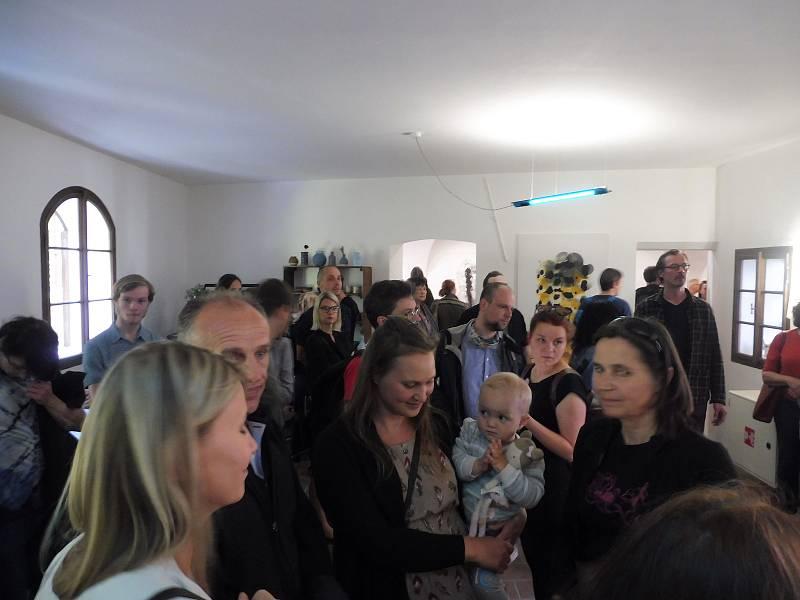 Exteriérovou výstavu Umění ve městě otevřela výstava Petra Nikla v Rabenštejnské věži. Akce též zahájila provoz nového kulturního prostoru, který ve věži vznikl.