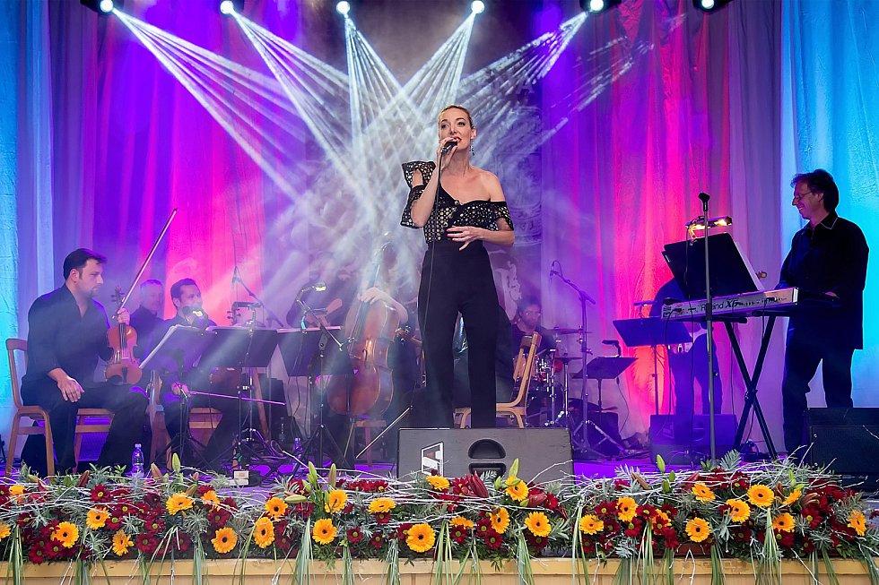 Všestranná zpěvačka DASHA se bude připravovat na muzikál  tvorbu dalšího alba. Foto: Archiv zpěvačky.