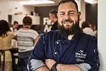 Šéfkuchař a majitel Fine Food Academy ve Včelné Jan Krob.