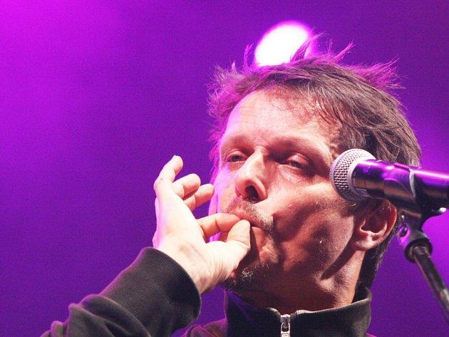 Musicfest Přeštěnice ohlásil první jména na rok 2015, je mezi nimi iskupina Chinaski, na snímku zpěvák Michal Malátný.
