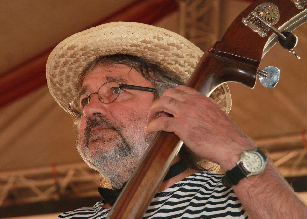 Manažer a basista Nezmarů Pavel Jim Drengubák.