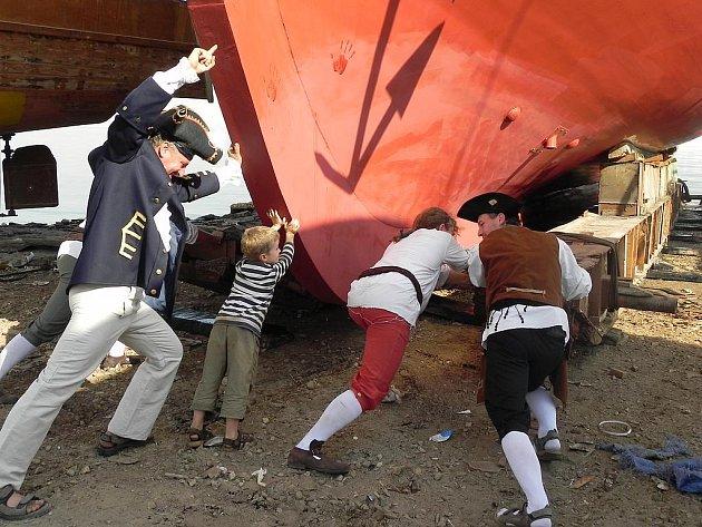 Plachetnice La Grace se chystala na plavbu v Egyptě.