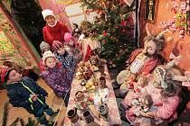 Pohádková kovárna v Selibově nabízí expozici pro rodiny Vánoce s hastrmany a čerty.