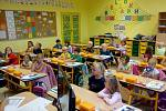 První školní den v Jubilejní základní škole svatováclavské ve Strýčicích. Na škole je jedna první třída, do které 2. září nastoupilo 22 prvňáčků. Třídní učitelkou je Mgr. Lucie Čejková.