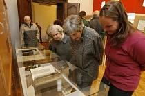 O otevření nových prostor pro knihovnu byl v neděli v Borovanech velký zájem. Pozornost poutala i malá výstava vzácných tisků a reprodukcí z rukopisů.
