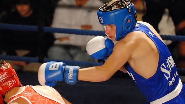 V prvním kole extraligy boxu Samson – Ústí podal Petr Stejspal proti ústeckému favoritu Lazokovi výborný výkon, bodoví sudí mu ale možnou výhru upřeli.