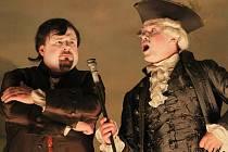 V českokrumlovském barokním divadle zazní 9. září po 243 letech novodobá premiéra opery Kde je láska, je i žárlivost. Na snímku zleva Jaroslav Březina a Aleš Briscein.