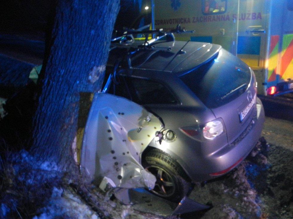 U Strážkovic ve čtvrtek po půl sedmé zemřel při nehodě řidič toyoty.