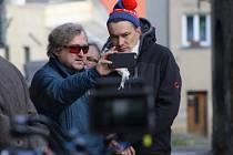 Jan Hřebejk při natáčení záběrů pro film Dezertér, který je druhým dílem troligie Zahradnictví.