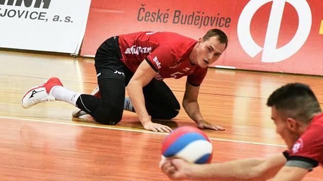 Jihostroj vyráží na volejbalový turnaj.