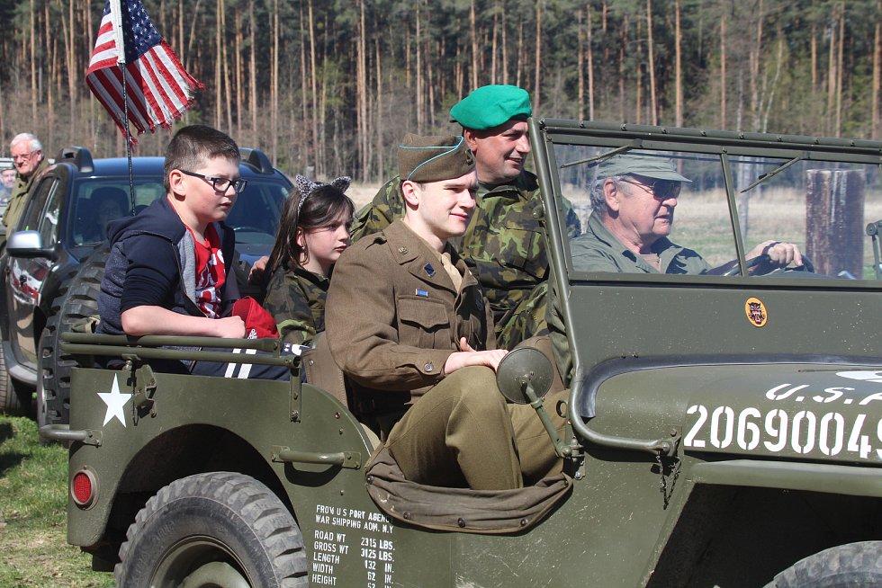 Pietní akt se konal v Boršově nad Vltavou u pomníku letce kapitána Raymonda F. Reutera,který byl sestřelen 17.dubna 1945.