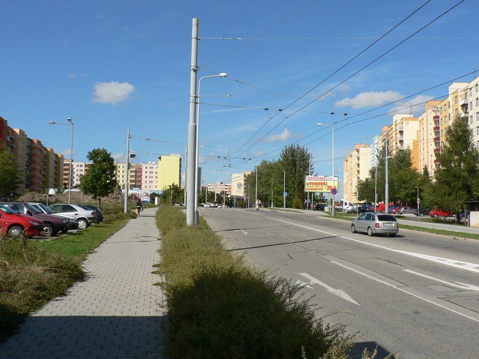 Sobota 14. září 2013 v ČB. Na sídlišti Máj byl brzy odpoledne klid.