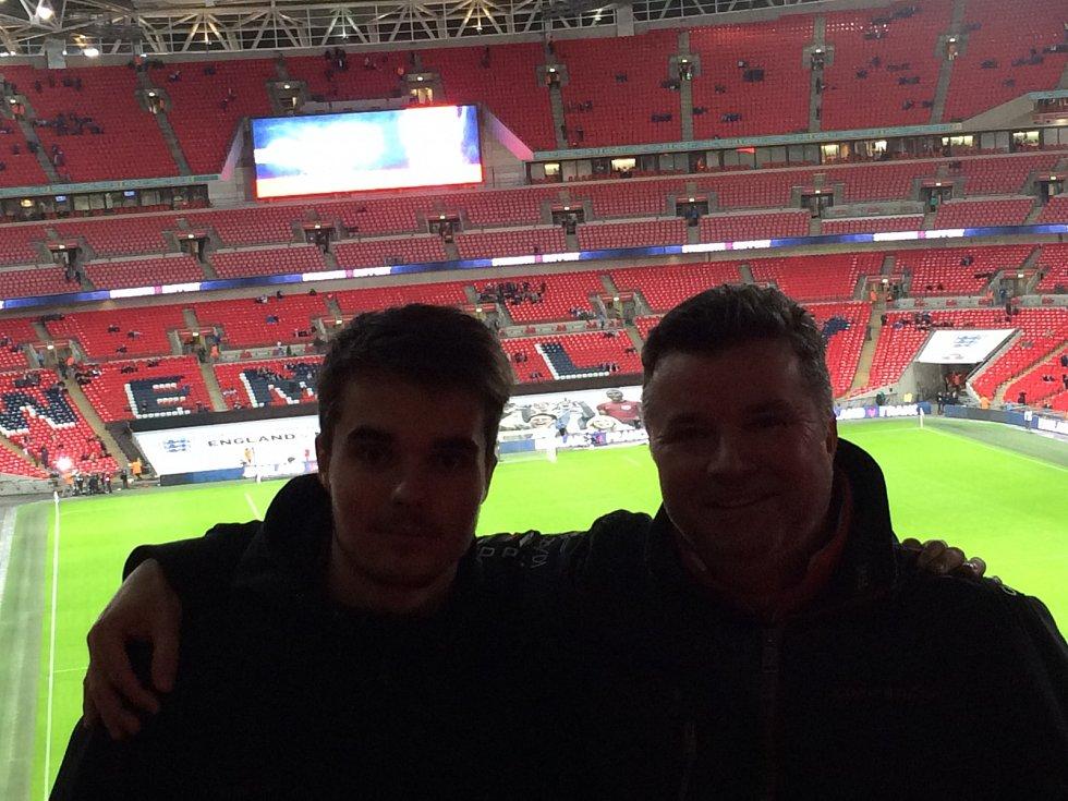 Karel a Dennis Rottenbornovi v Londýně
