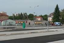 V českobudějovické Jírovcově ulici rozšířila radnice v létě 2019 záchytné parkoviště. Na snímku nová část plochy.