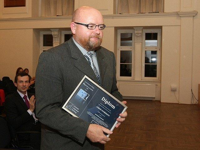 Luboš Dvořák převzal Regionální novinářskou cenu.