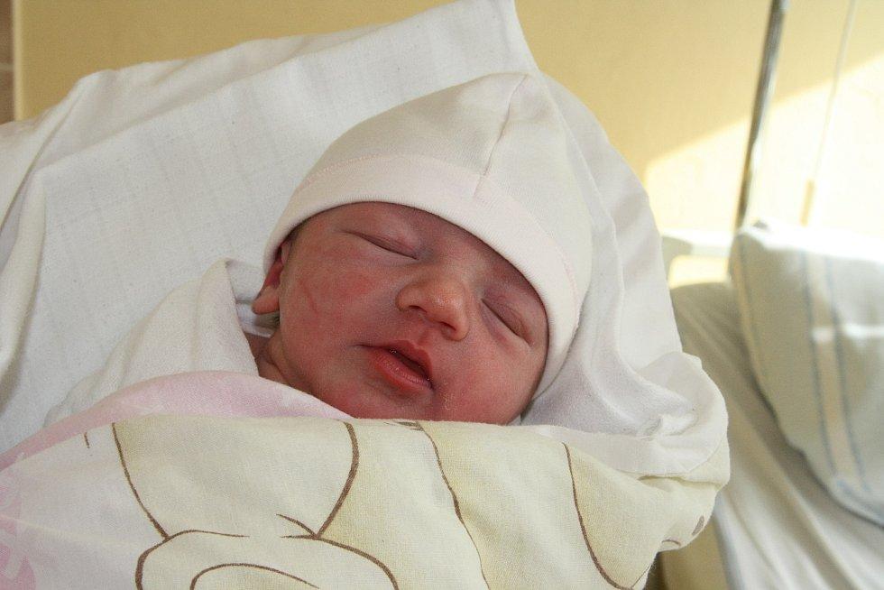 Dvouletý Zbynďa z Osek má od 4. 3. 2021 malou sestřičku. Petra Turečková se rodičům Lence a Zbyňkovi Turečkovým narodila v 1.02 h., vážila 2,78 kg.