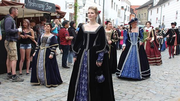 Rušení akcí kvůli protikoronavirovým opatřením se dotkne také Slavností pětilisté růže v Českém Krumlově.