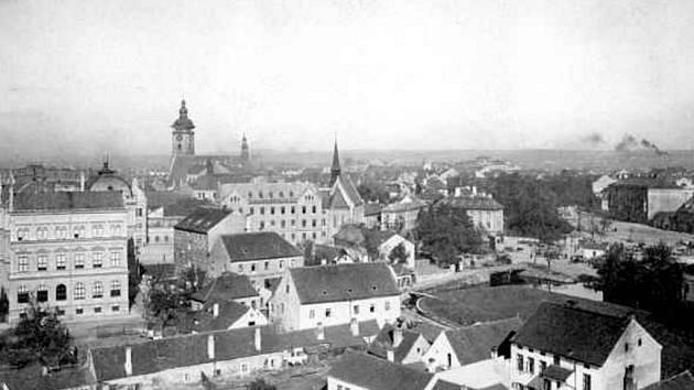 Rybní ulice a Senovážné náměstí v roce 1914.