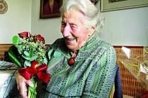 STO LET. Opravdu kulaté narozeniny oslavila na začátku července také Marie Švingerová z Č. Budějovic.