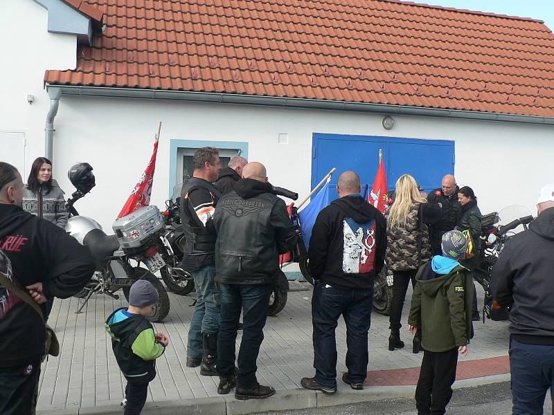 Volby v Trocnově. Dorazil Daniel Landa.